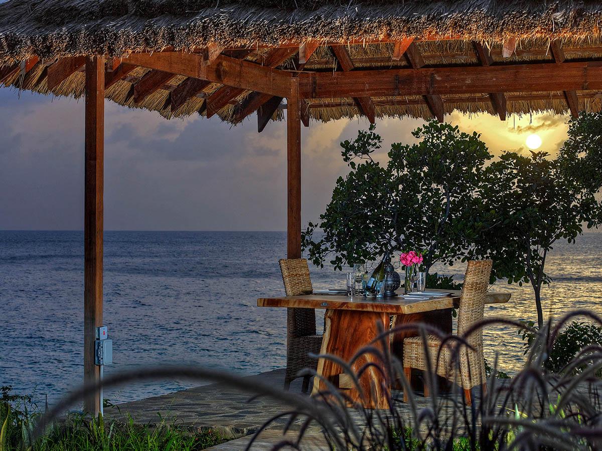 Solnedgång över Tribu Beach Club