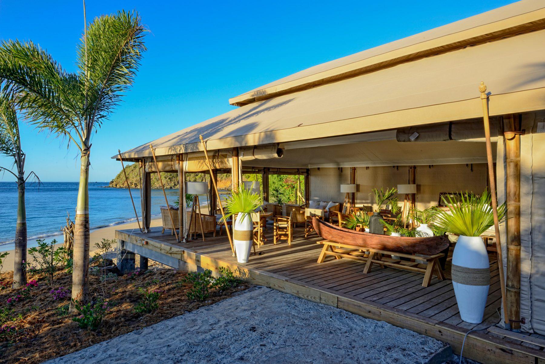 The Canvas Bar - Tribu Beach Club